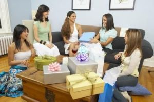 article-new_ehow_images_a07_ir_sg_popular-bridal-shower-gifts-800x800